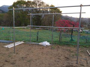 農機具小屋の骨組み