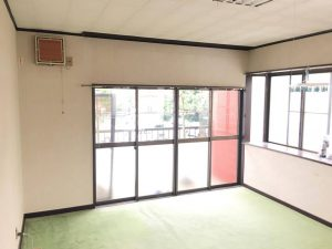 2F洋室 窓側